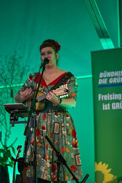 Petra Lewi sorgte für musikalische Unterhaltung an diesem Nachmittag